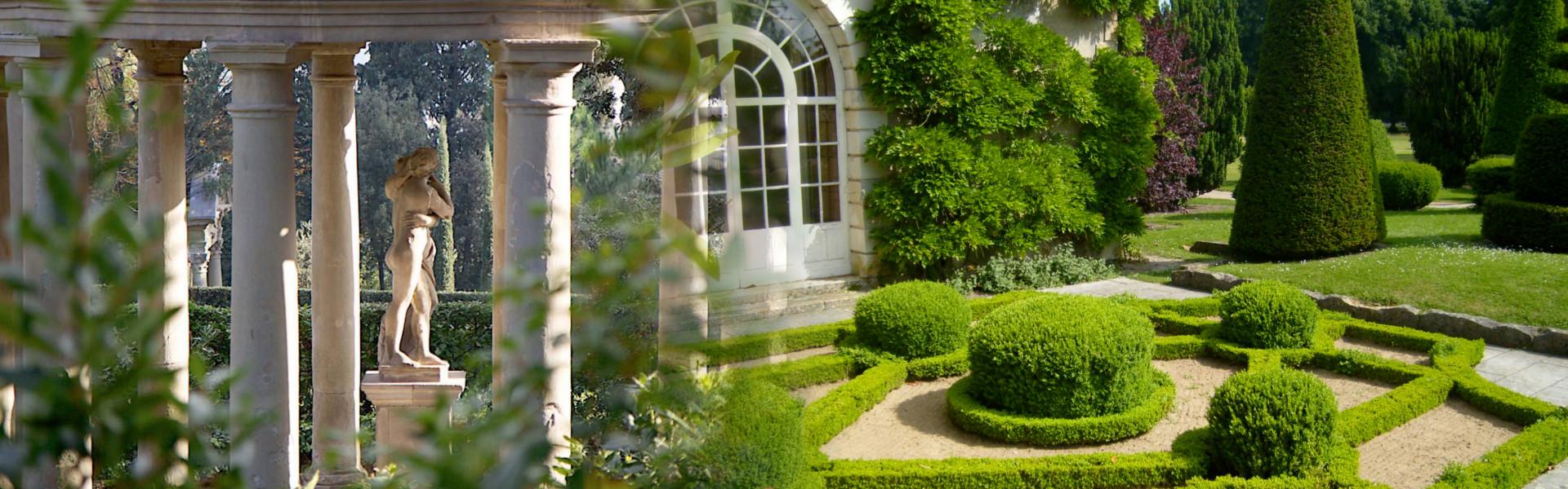 Progettarazione di giardini a tema, ripristino del verde, consulenze botaniche e fitopatologiche, assistenza e direzione lavori